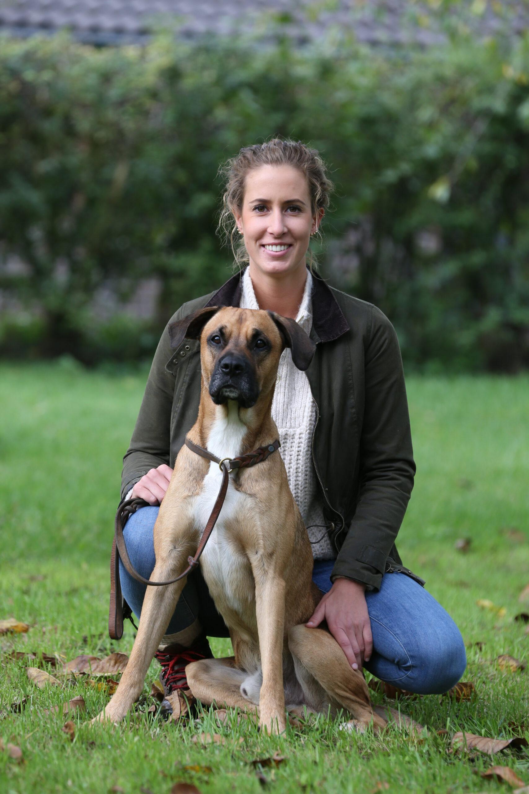 Hundetrainerin mit ihrem Rüden Emil